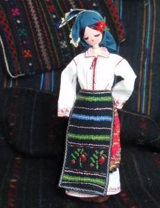Кукла в северняшка носия. Изработка - Бистра Писанчева